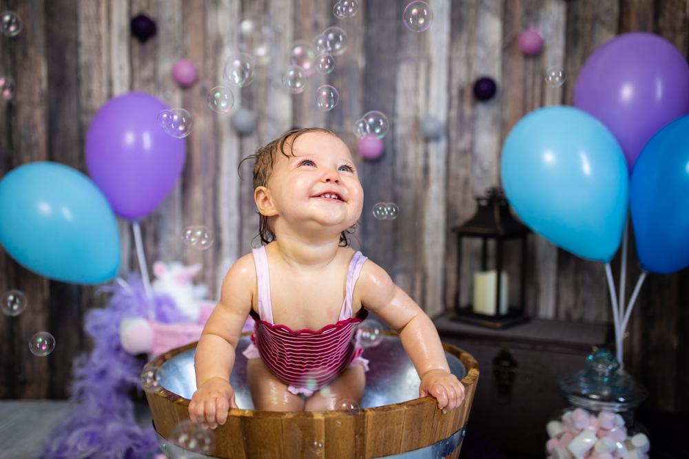 photographe bébé Nantes bain bulles