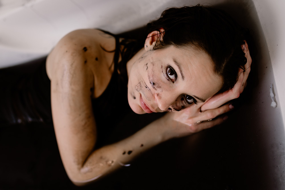 photographe nantes boudoir bain noir