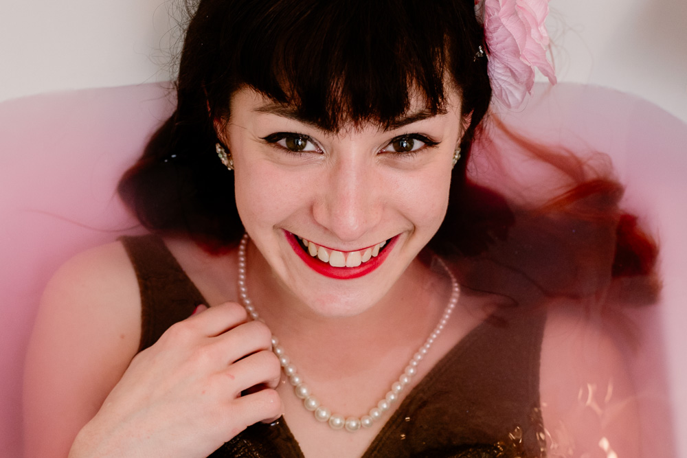 pin-up pink bath photographe Nantes