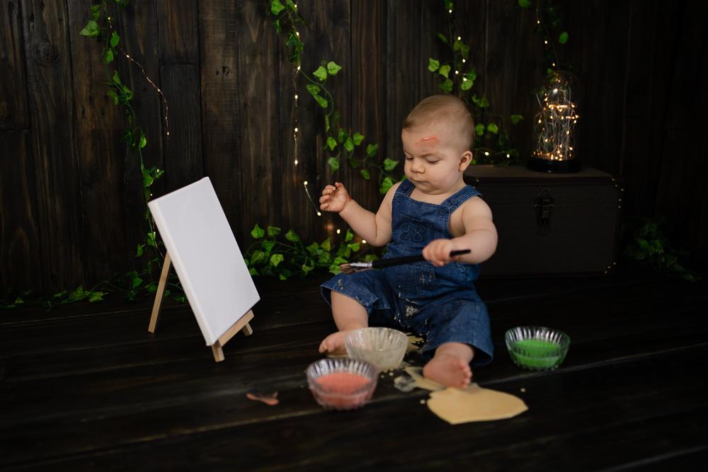 séance photo bébé Nantes petit peintre