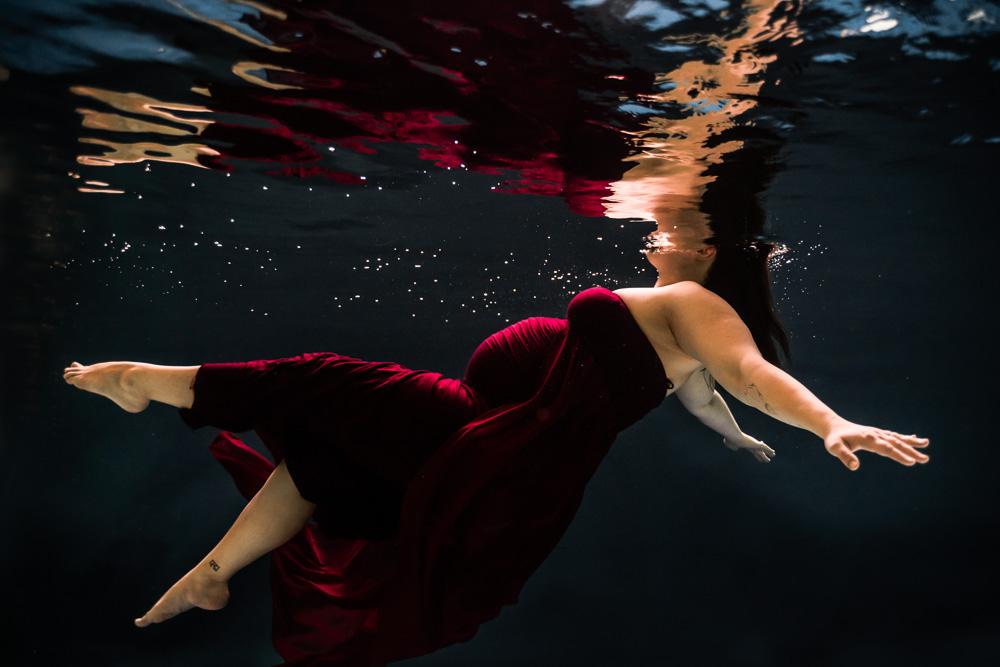photographe maternité piscine sous l'eau Nantes