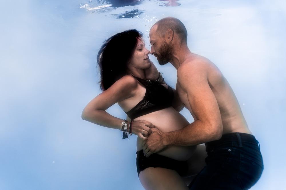 photographe underwater couple piscine Nantes