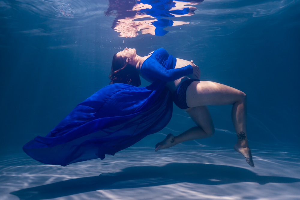photographe grossesse nantes piscine underwater