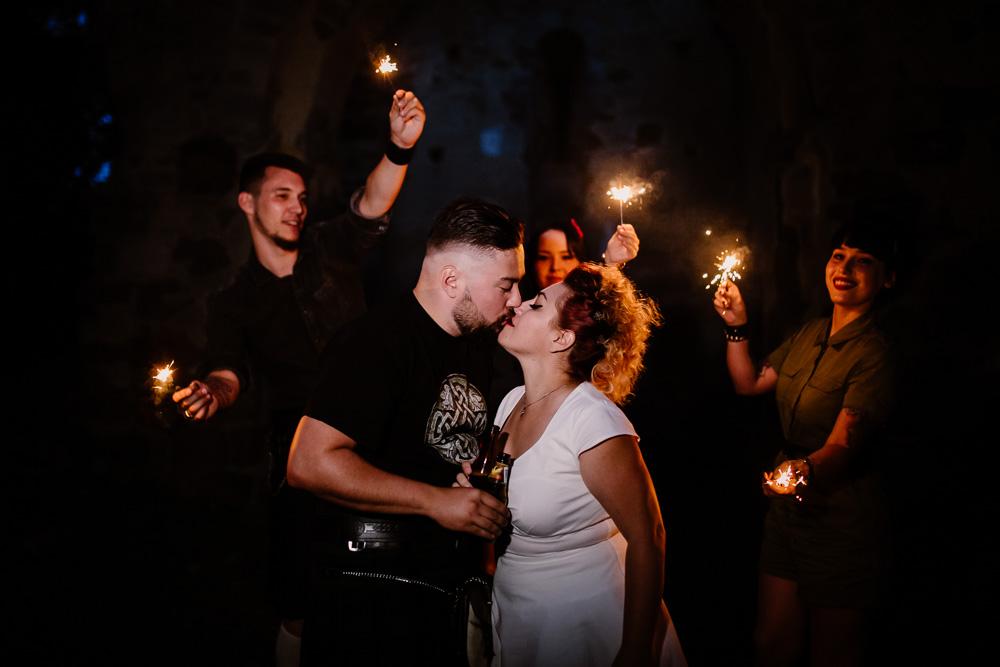 elopement mariage intimiste rock n roll métal